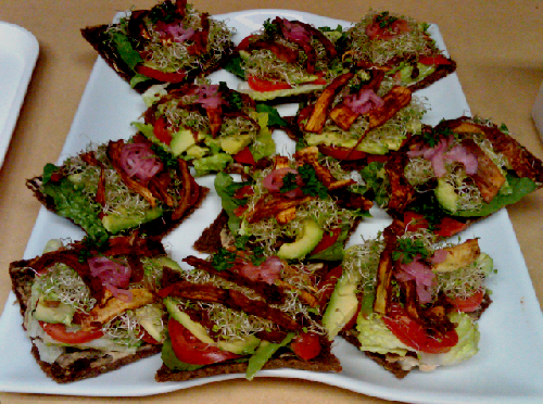 Raw food recipe bacon lettuce and tomato sandwich forumfinder Images