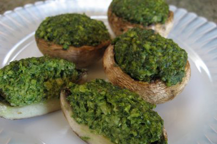 Raw Vegan Thanksgiving: Walnut And Spinach Pesto Stuffed Mushrooms
