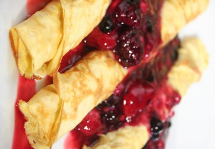 Raw Food Recipe: Crazy Berry Crepes