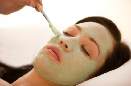 Natural Beauty Recipe: Green Clay Purifying Face Masque for Softer, Younger-Looking Skin