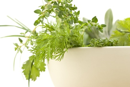 4 Simple Steps to Planting Your Own Kitchen Herb Garden (& What It's Going to Do For Your Health!)